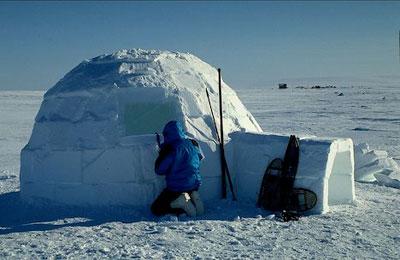 inupiat eskimo igloo