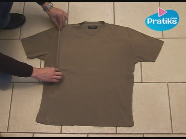 How to Fold a T-Shirt In 3 points