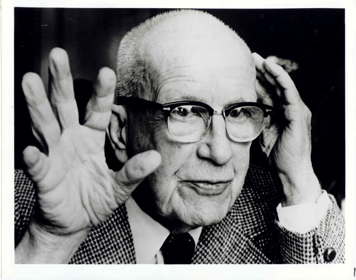 Buckminster Fuller explains threeness in the Universe