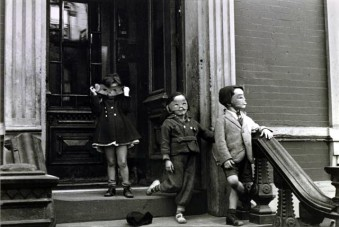 New York, Helen Levitt , c. 1942 sm
